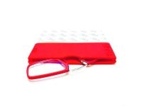 Gafas pregraduadas con funda de silicona adhesiva en color rojo de +3,00 dioptrias